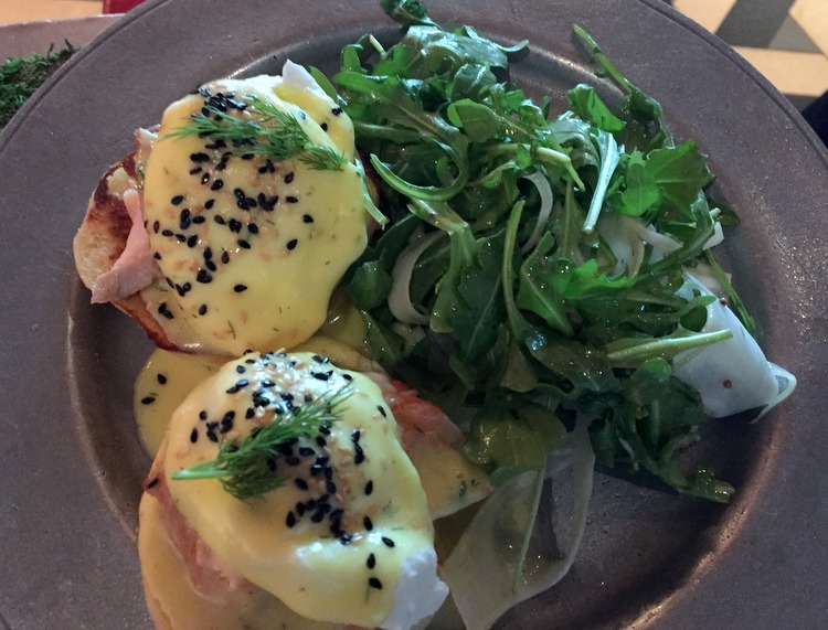 Hot Salmon Eggs Benedict